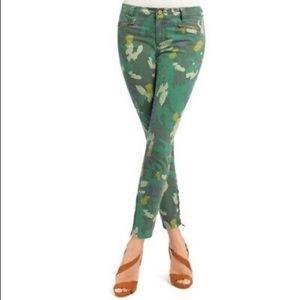 CAbi Clover Camo Size 2 Jeans 766